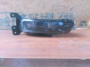 2017-2020 Jeep Grand Cherokee / Dodge Durango Right Fog Light OEM Used for Sale in Wilmington, CA