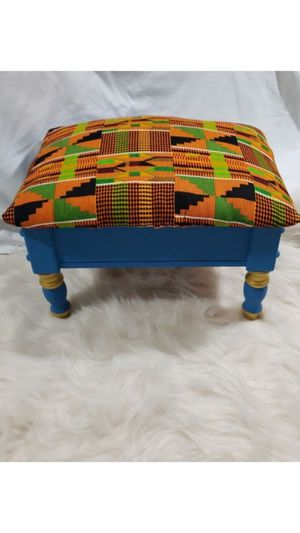 Kente Cloth Upscaled Accent Step Stool with Storage for Sale in Stockbridge, GA
