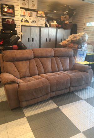 Electric lounge couch for Sale in Alexandria, VA