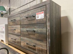 Dresser, MultiColor for Sale in Santa Fe Springs, CA