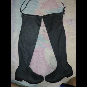 Thigh high boots grey size 7.5 for Sale in Riverside, CA
