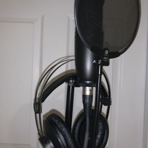 Studio Equipment Comes With Mic, Cords, Interface, & Headphones for Sale in Clinton, MD