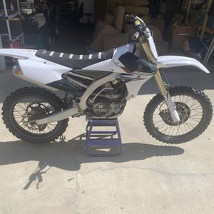 2014 yz450f (low hours) for Sale in Colton, CA
