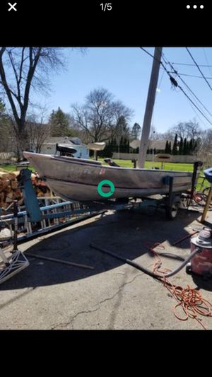 Alumacraft 16 foot boat for Sale in Chicago, IL