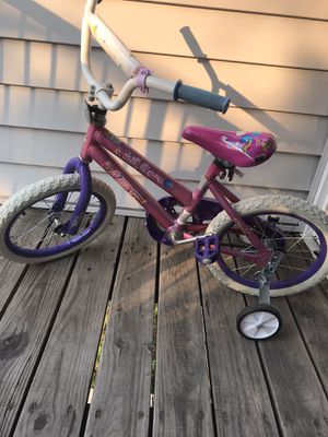 Kids bike 4 to 6 for Sale in Lakewood, CO