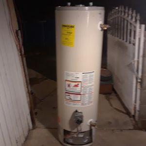 WINNER! GE 38 GALLON WATER HEATER for Sale in City of Industry, CA