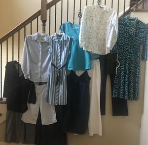 14 pc Name Brand Bulk lot of women's clothing - Great condition, great price! Size Small - 4 $65 for Sale in Lascassas, TN