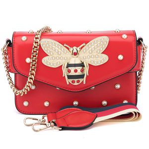 New Bee-Fashion Bee & pearl handbag in red for Sale in Baltimore, MD