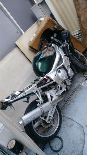 PARTING 2002 Yamaha R6 for Sale in Boca Raton, FL