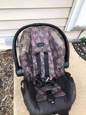 Even Flo Baby Car Seat for Sale in Grandview, IL