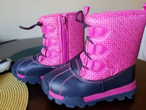 Toddler girl snow boots, size 10 for Sale in Holly Springs, NC