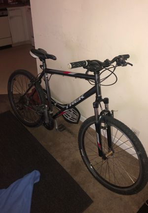 3500 trek mountain bike for Sale in San Jose, CA