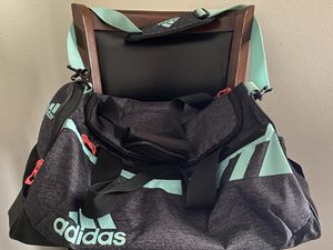 Adidas duffle bag for Sale in Nashville, TN