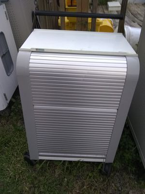 Rolling charging station with wheels for Sale in Gibsonton, FL