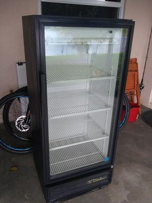 1 door refrigerator in perfect condition brand true model number GDM10 for Sale in Miramar, FL