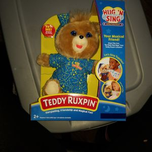 New Teddy Ruxpin Hug 'N Sing Bear for Sale in Spring Valley, CA