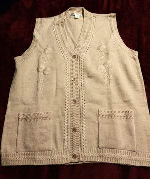 $5- 2 XL Brand New Sweater Vests for Sale in Tacoma, WA