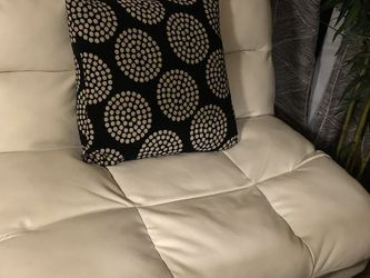 White Leather Futon Chair/couch for Sale in Phoenix,  AZ
