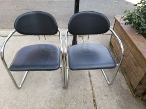 2 chairs for 20 dollars for Sale in Chicago, IL
