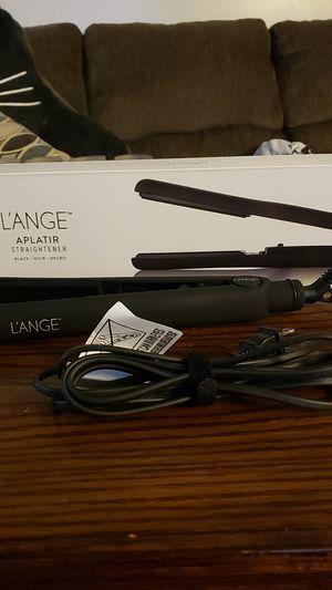 L'ANGE Aplatir Hair Straightener for Sale in Ypsilanti, MI