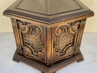 Mid Century Vintage Octagon Table End Table Side Table for Sale in Los Angeles,  CA