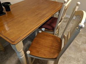 Kitchen table + 4 chairs for Sale in Jacksonville, NC