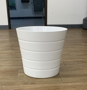 "Plant pot, white, 9 ½ "" for Sale in Long Beach, CA"