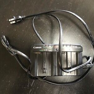 Canon LC-E4 Dual Charger With Cord for Sale in Duarte, CA