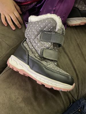 Kids Carter snow boots size 10 toddler for Sale in Lake Tapps, WA