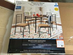 New Traditional Walnut 7-Piece Dining Set for Sale in Waldo, OH