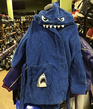 Nautica shark robe youth size 5/6 for Sale in Matawan, NJ