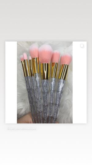 Makeup brushes for Sale in Los Alamitos, CA