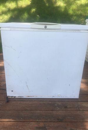 Kenmore 18 cubic feet Freezer for Sale in Glen Ellyn, IL