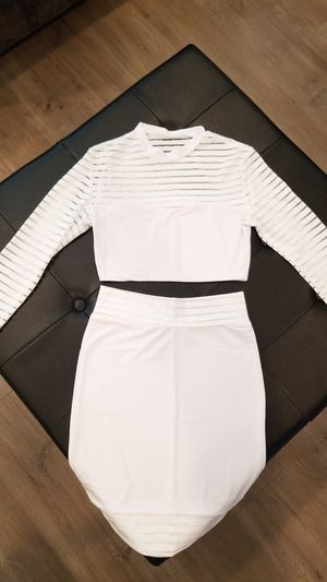 Brand New all white 2 piece crop and pencil skirt for Sale in Sacramento, CA