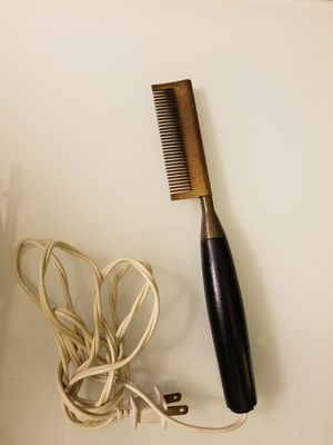 Electric Straightening Comb for Sale in Tacoma, WA