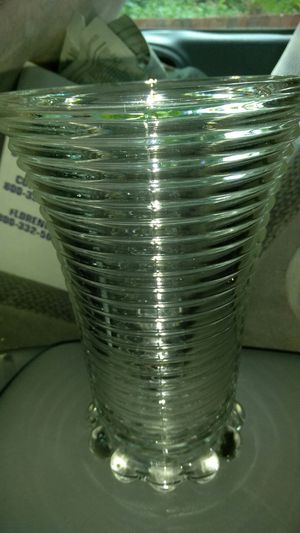 Manhattan Clear Anchor Hocking Vase for Sale in Knoxville, TN