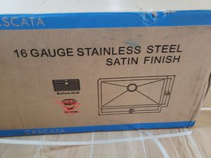 32 inch kitchen sink with Grate for Sale in Stuart, FL