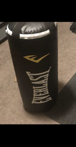 Everlast punching bag for Sale in Pittsburg, CA