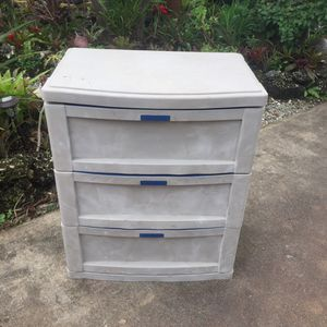 """Suncast C3703 3 Drawer Storage Cabinet: 30""""W x 19.5""""D x 35.5""""H for Sale in Hollywood, FL"""