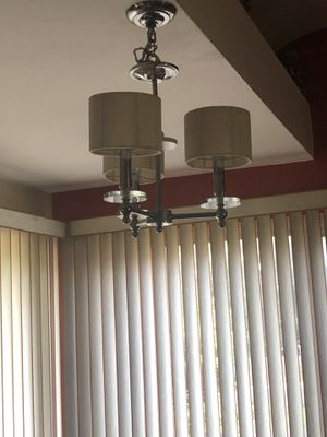 Dinning room light fixture for Sale in Monroeville, PA