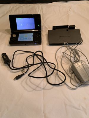 Nintendo 3DS w/ chargers case games for Sale in Grapevine, TX