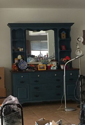 Real wood 2 piece dresser for Sale in Fort McDowell, AZ