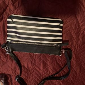 Black And White Stripped hand Bag for Sale in Los Angeles, CA
