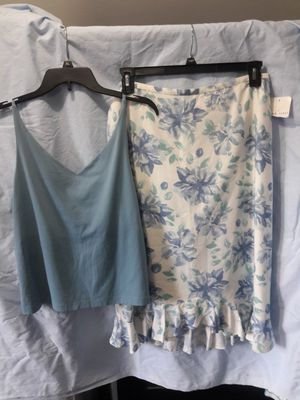New woman's skirt and summer shirt to go with it for Sale in Puyallup, WA