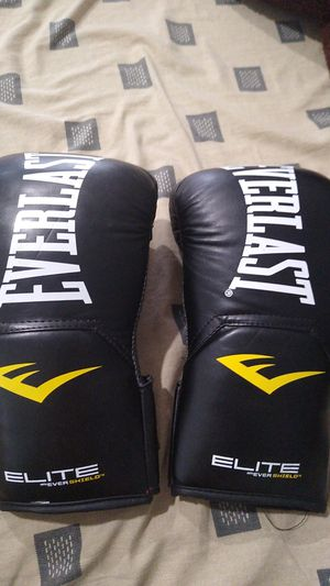 Boxing gloves for Sale in Bayonne, NJ