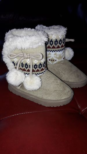 Size 5 toddler girls boots for Sale in Saint Robert, MO