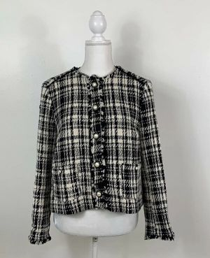 Women's ZARA sz L Black White Tweed Fringe Pearl Buttons Flat Pockets Blazer Jacket for Sale in Tempe, AZ