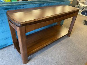 Madden sofa table for Sale in Baton Rouge, LA