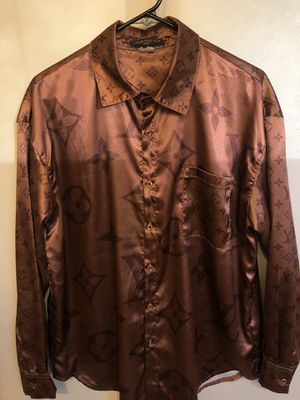 LV silk Shirt sz M . Excellent condition worn light ! No trades ! for Sale in Washington, DC