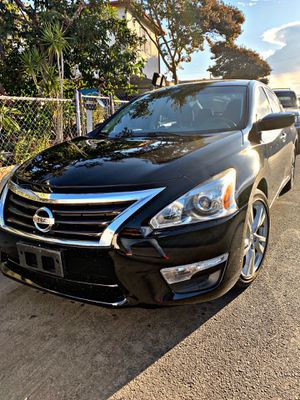 Nissan Altima 2013 sport !!salvage !! for Sale in Los Angeles, CA